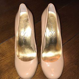 Gorgeous Nude Jessica Simpson size 6.5 heel 🔥